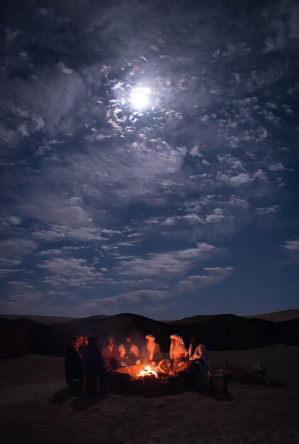 Laurent Moreau photographe- Laurent Moreau photographer- bivouac chez les nomades Berbères- Sahara- home stay at berbers nomads- Sahara- Maroc- morocco