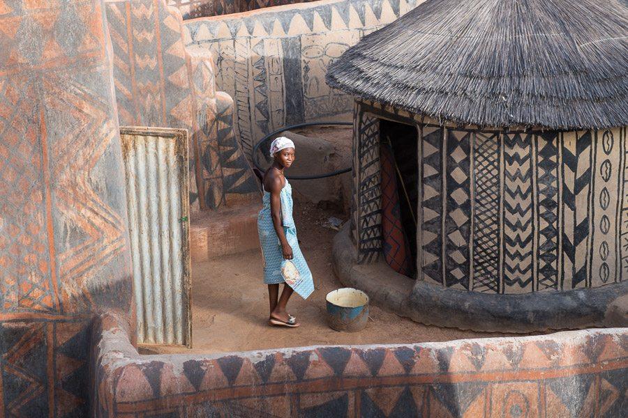 village de Tiébélé avec ses maisons peintes